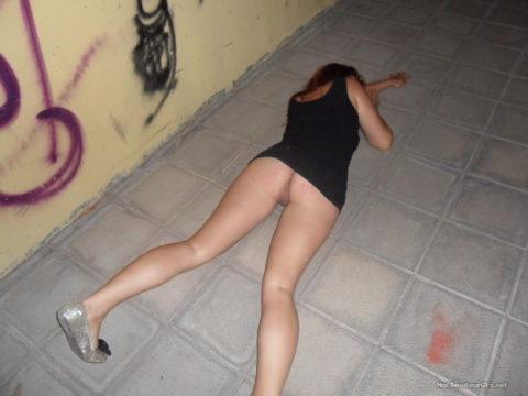 【画像】ビッチの酔いどれまんさん、レイプされても文句言えないよな?・5枚目