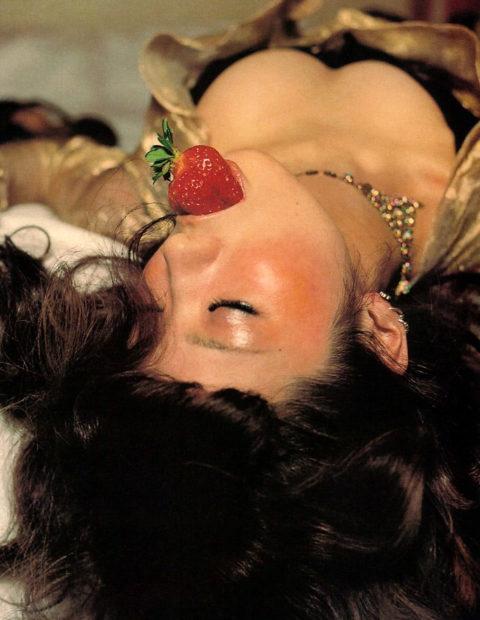 【椎名林檎】みんなが気になってる「隠れ爆乳」を晒すwwwww(画像あり)・36枚目