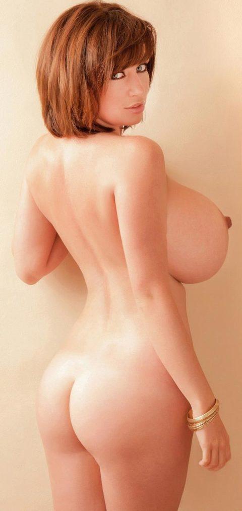 【画像あり】海外サイトでまとめられた「世界の爆乳女子」Hitomiおるやんwwwww・13枚目