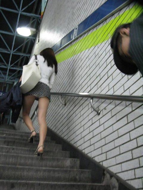 韓国に行ったワイ、ミニスカ美女を盗撮しまくり帰国するwwwww(画像37枚)・16枚目