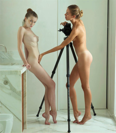 【画期的】撮影する側が「全裸」になるヌードフォトグラマーとかいう人たちwwwwww・16枚目