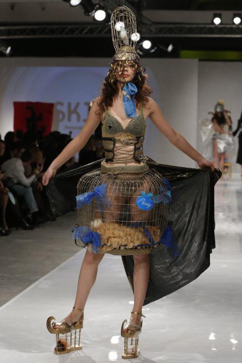 【マジキチ】もう方向性が分からなくなった海外のファッションショー。(画像あり)・16枚目
