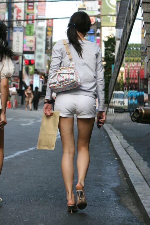 韓国に行ったワイ、ミニスカ美女を盗撮しまくり帰国するwwwww(画像37枚)・17枚目