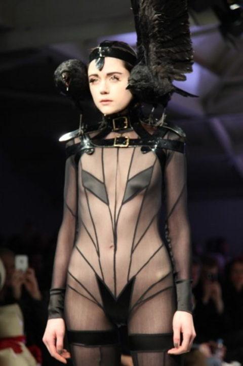 【マジキチ】もう方向性が分からなくなった海外のファッションショー。(画像あり)・19枚目