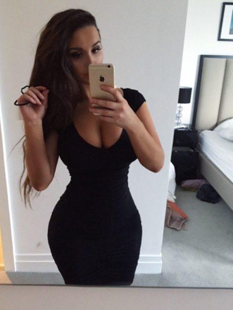 【画像】巨乳美女+タイトドレスが最強すぎるんやが。。(38枚)・20枚目