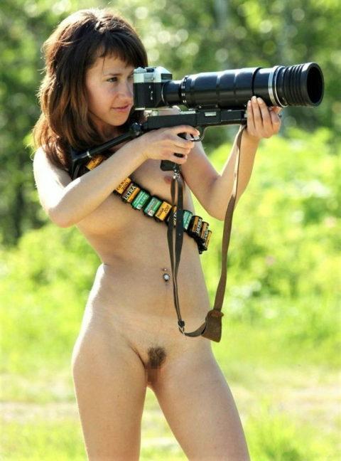 【画期的】撮影する側が「全裸」になるヌードフォトグラマーとかいう人たちwwwwww・24枚目