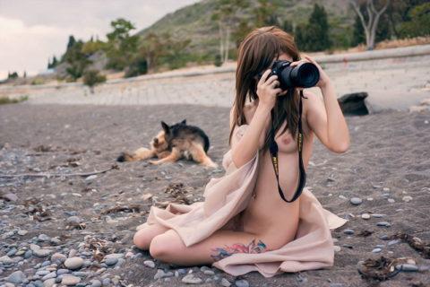 【画期的】撮影する側が「全裸」になるヌードフォトグラマーとかいう人たちwwwwww・28枚目