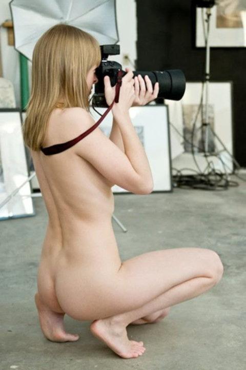 【画期的】撮影する側が「全裸」になるヌードフォトグラマーとかいう人たちwwwwww・29枚目