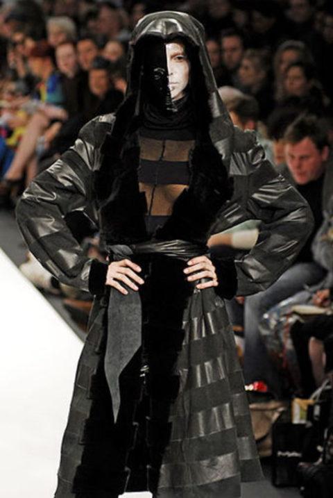 【マジキチ】もう方向性が分からなくなった海外のファッションショー。(画像あり)・32枚目