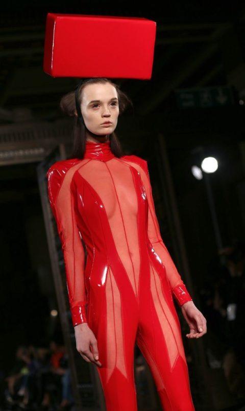 【マジキチ】もう方向性が分からなくなった海外のファッションショー。(画像あり)・33枚目