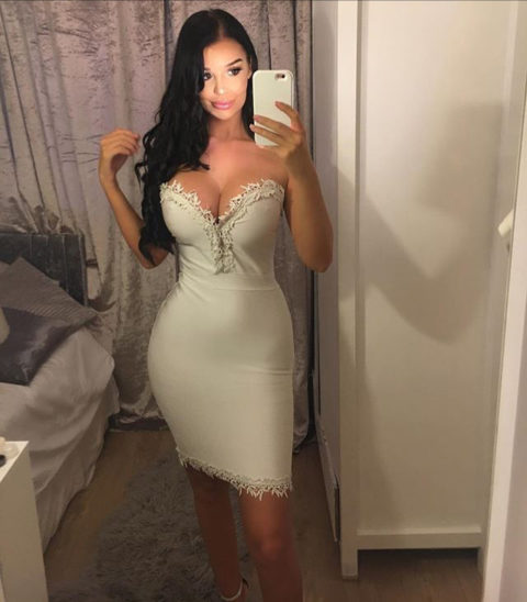 【画像】巨乳美女+タイトドレスが最強すぎるんやが。。(38枚)・38枚目