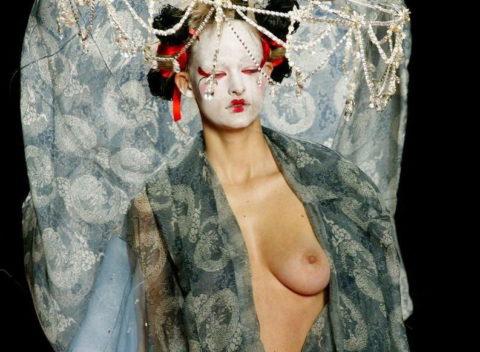 【マジキチ】もう方向性が分からなくなった海外のファッションショー。(画像あり)・7枚目