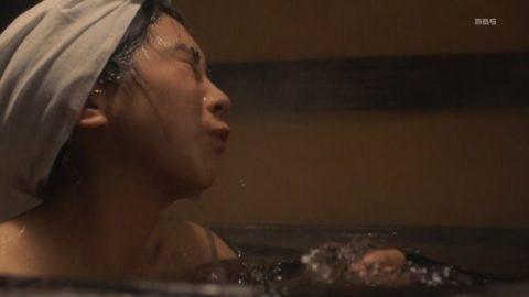 【松本穂香】ツンと上向いたおっぱいがエロ過ぎる濡れ場シーンなど(画像128枚)・56枚目