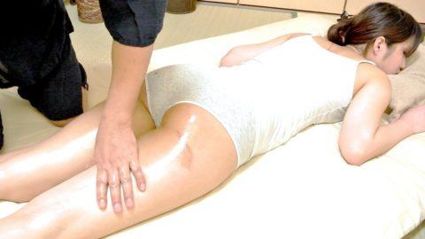 【GIFあり】熟女さん、マッサージ・エステでセクハラ行為をされ受け入れる。wwwwwww・14枚目