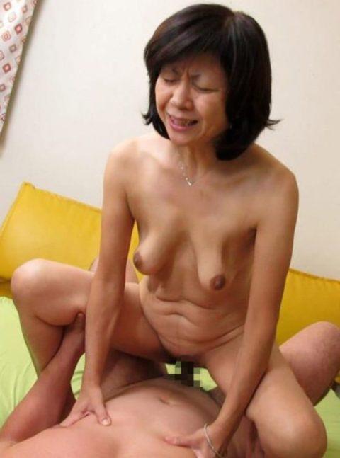 【六十路】人生の2/3を終えた女のエロ画像。これはキツイ・・・(34枚)・28枚目