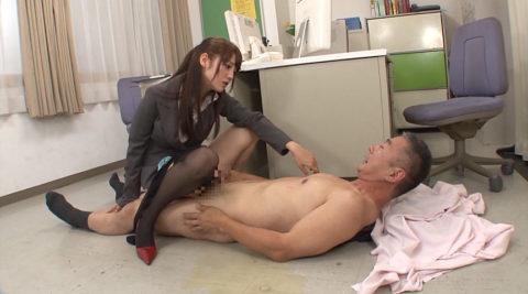 【画像】ドSな女子社員だらけの職場だったらこうなる。。倒産するわwwww・30枚目