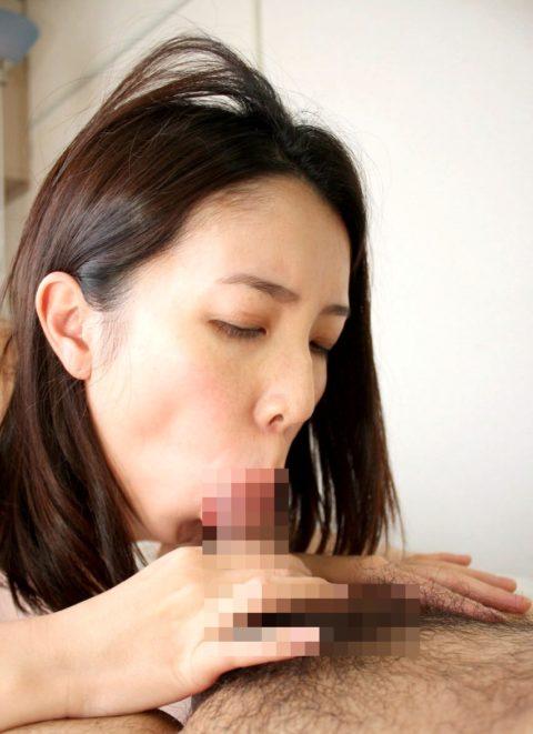 【熟女】経験豊富な熟したまんさんのがっつきフェラをご覧ください。(エロ画像36枚)・31枚目