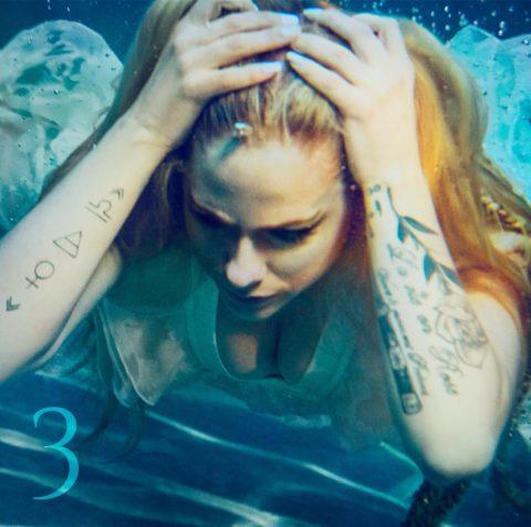 【流出】歌姫「アヴリル・ラヴィーン」の水着・ヌード・流出エロ画像まとめ・34枚目