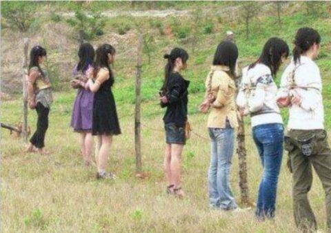 【閲覧注意】中国の女性死刑囚、エロいのにブッ殺される・・・(画像あり)・4枚目
