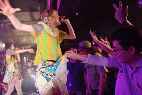 【アイドル】ライブ会場に足を運ぶ男のファンってこれ目的だよな??(画像31枚)・5枚目