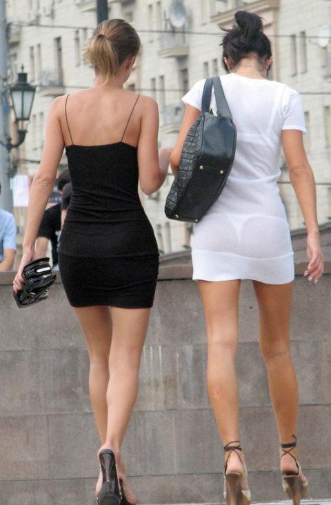 【街撮り】歩いてるだけで透けTバック女子に遭遇できる街ええなぁwwwwww・8枚目