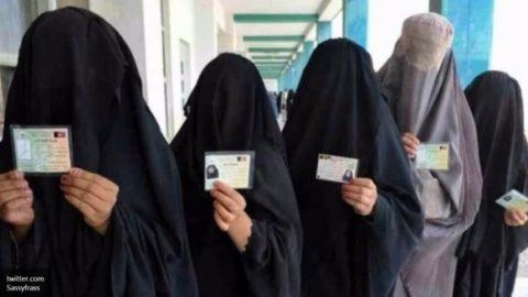 【画像】性奴隷にされてしまった海外の女性たちを撮影した画像集。・11枚目