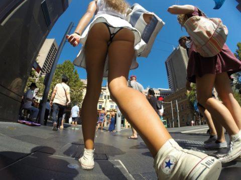 """【盗撮】海外の女子学生まんさん、盗撮魔に撮影された""""股""""をご覧くださいwwwwww(画像36枚)・11枚目"""