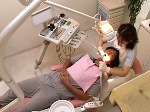 【おっぱい】歯医者で唯一の勃起案件がこちら。ホント止めてほしいわwwwww(画像あり)・22枚目