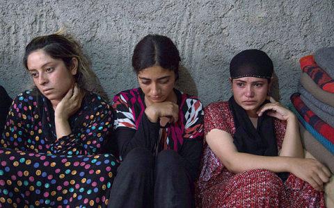 【画像】性奴隷にされてしまった海外の女性たちを撮影した画像集。・24枚目