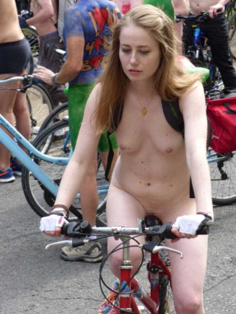 """海外のヌードサイクリングで""""日本人""""が参加した結果。(画像あり)・24枚目"""