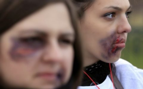 【画像】性奴隷にされてしまった海外の女性たちを撮影した画像集。・25枚目