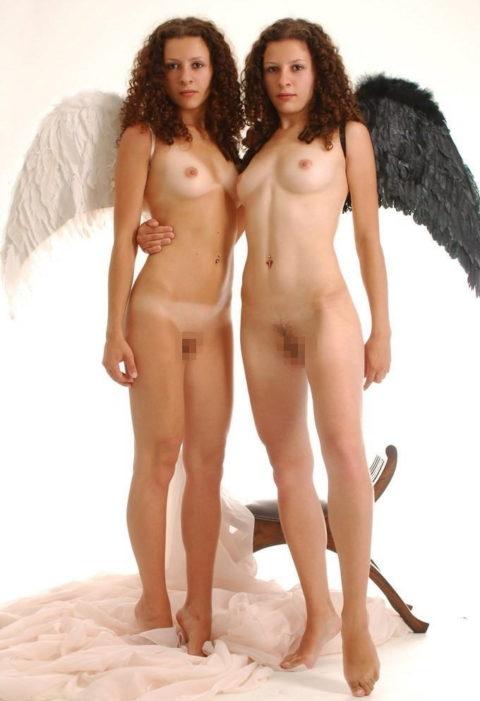 【ヌード】双子姉妹の海外美少女がヌードに挑戦。3Pできたら死んでもいいわwwwwww・28枚目
