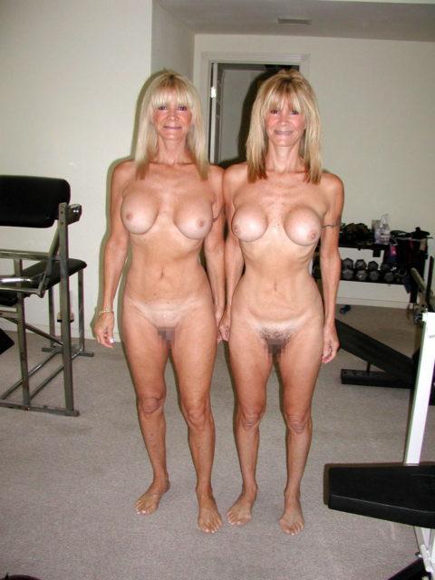 【ヌード】双子姉妹の海外美少女がヌードに挑戦。3Pできたら死んでもいいわwwwwww・36枚目