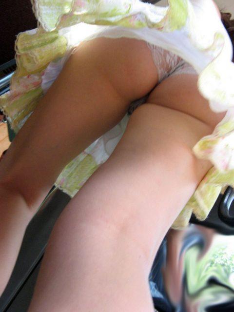 """【盗撮】海外の女子学生まんさん、盗撮魔に撮影された""""股""""をご覧くださいwwwwww(画像36枚)・6枚目"""