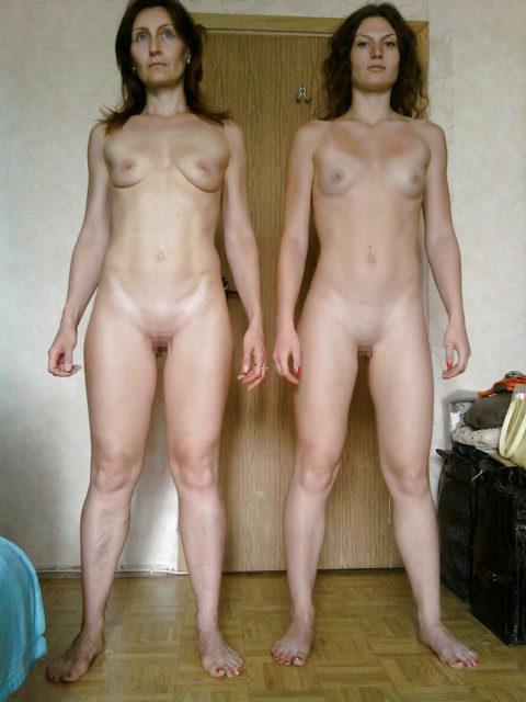 全裸を晒した素人親子のエロ画像を見た結果。ガチで体つきも似るんやなぁwwwwwww(33枚)・12枚目