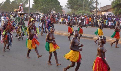 【おっぱい】ギニア人女性の正しく成長した「神乳」この身体はエロい・・・(33枚)・22枚目