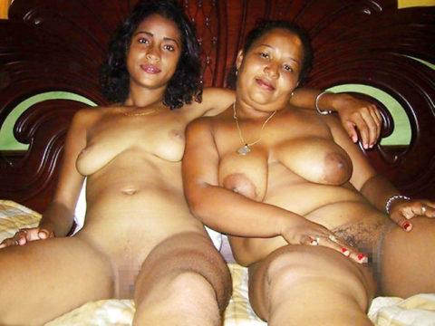 全裸を晒した素人親子のエロ画像を見た結果。ガチで体つきも似るんやなぁwwwwwww(33枚)・27枚目