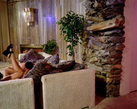 【エロ画像】ガチでオープンすぎる海外ポルノの撮影現場の風景がこちら。(21枚)・5枚目