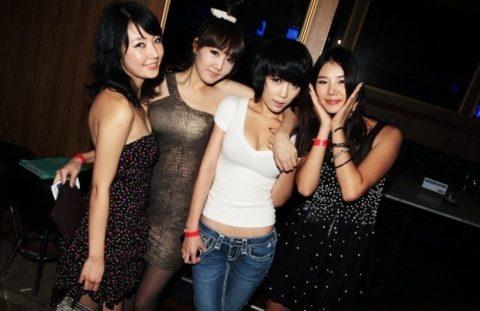 【エロ画像】「お持ち帰りOK」な韓国のクラブを撮影した画像まとめ。(32枚)・6枚目
