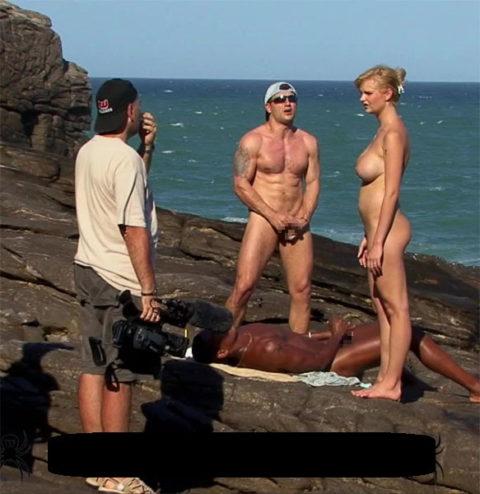 【エロ画像】ガチでオープンすぎる海外ポルノの撮影現場の風景がこちら。(21枚)・9枚目