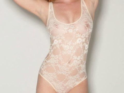 下着モデル女さん、ガッツリ透けててもお構いなしで撮影に挑むwwwwwww(37枚)