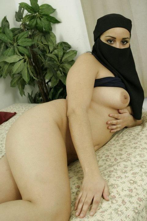 【神ボディー】想像以上のエロい身体のイスラム美女のエロ画像集。38枚・11枚目