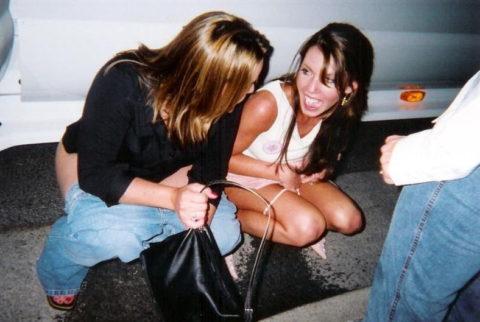 【素人】女の子同士の「連れション」男友達に撮影され晒される。。(画像あり)・20枚目