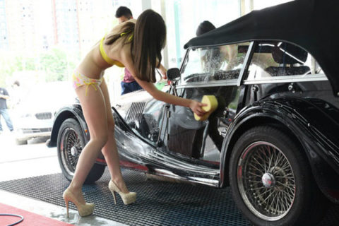 中国まんさん、欧米のマネをして「水着で洗車してみた!」がくっそエロかったwwwww(38枚)・21枚目