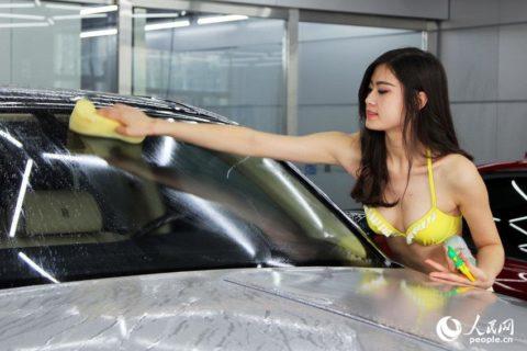 中国まんさん、欧米のマネをして「水着で洗車してみた!」がくっそエロかったwwwww(38枚)・24枚目