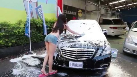 中国まんさん、欧米のマネをして「水着で洗車してみた!」がくっそエロかったwwwww(38枚)・26枚目