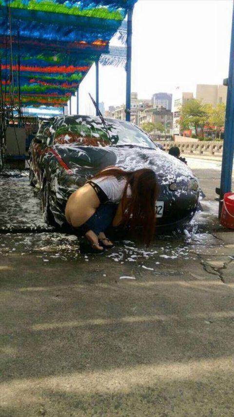 中国まんさん、欧米のマネをして「水着で洗車してみた!」がくっそエロかったwwwww(38枚)・27枚目