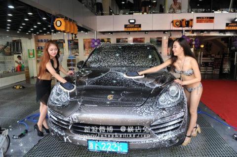 中国まんさん、欧米のマネをして「水着で洗車してみた!」がくっそエロかったwwwww(38枚)・28枚目