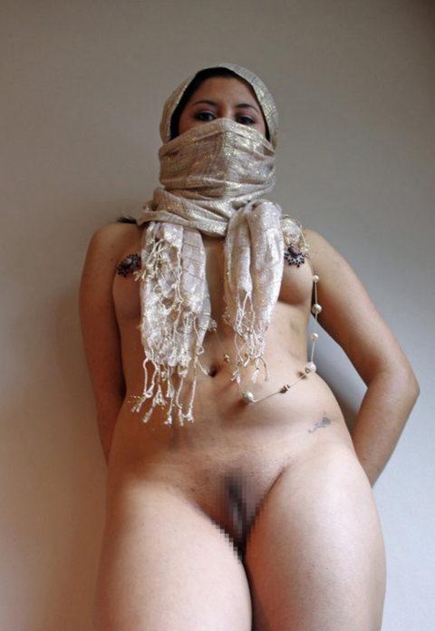 【神ボディー】想像以上のエロい身体のイスラム美女のエロ画像集。38枚・29枚目
