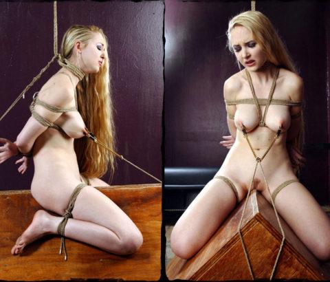 【調教】三角木馬で本気の拷問されてる女さんをご覧ください…これは痛すぎる(画像あり)・31枚目
